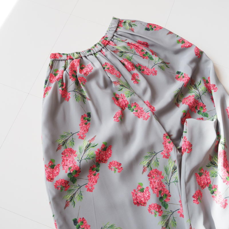 """Graphpaper """"Flower Printed Wide Gather Pants / The floral print designed by *ENAMEL"""" Gray"""