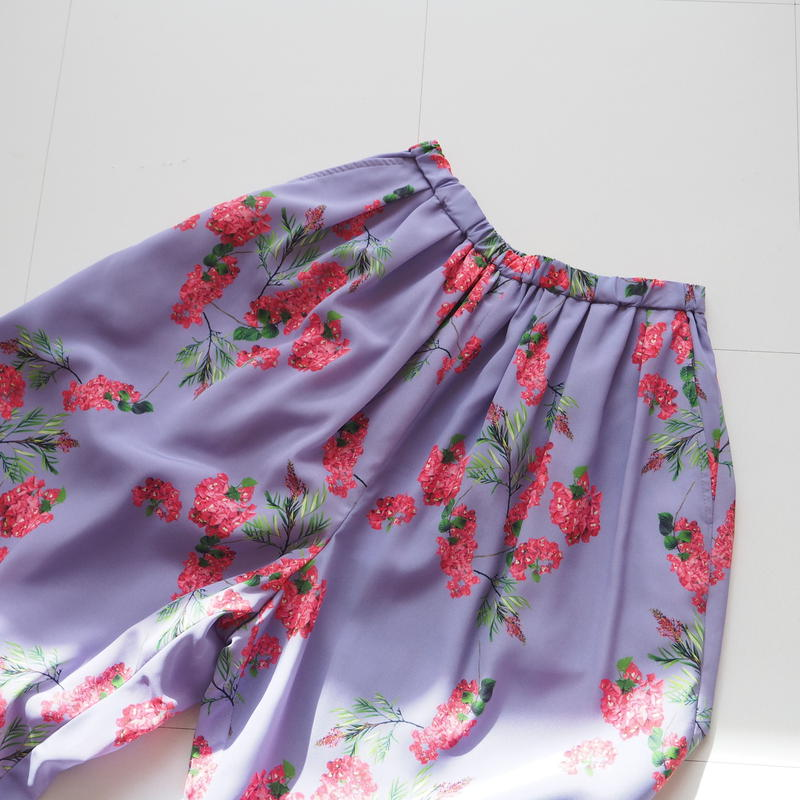 """Graphpaper """"Flower Printed Wide Gather Pants / The floral print designed by *ENAMEL"""" Purple"""