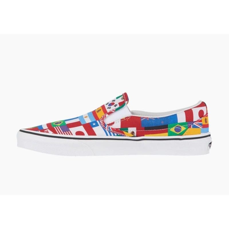 【残り僅か】VANS Classic Slip-On(Multi Flags/True White)