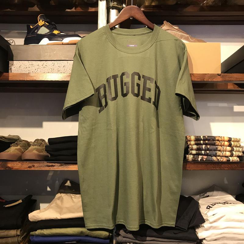 """【残り僅か】RUGGED """"ARCH LOGO"""" tee (Military Green)"""