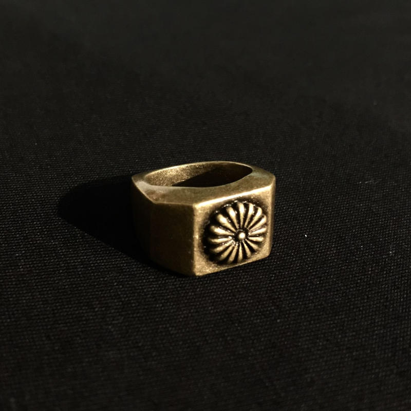 "RUGGED ""KIKUMON"" ring (Made in Japan)"