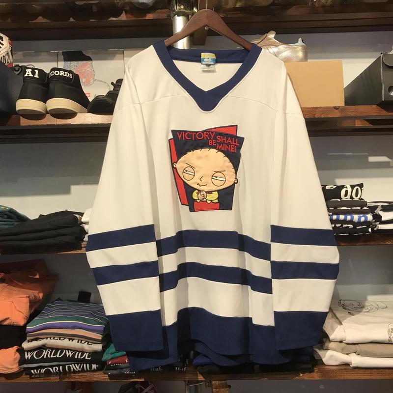 """Family Guy """"Stewie"""" hockey shirt (L)"""