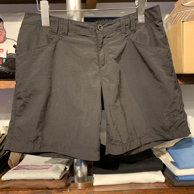 THE NORTH FACE WMNS logo short pants(Black)