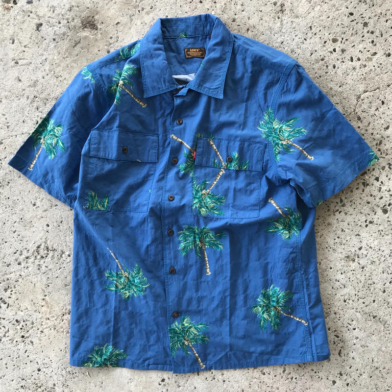 LEVI'S SKATEBOARDING BUTTON DOWN SHIRT - BLUE