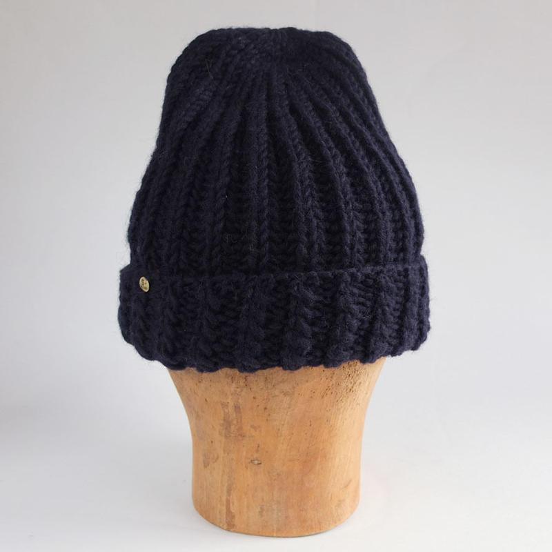 手編みニット帽子