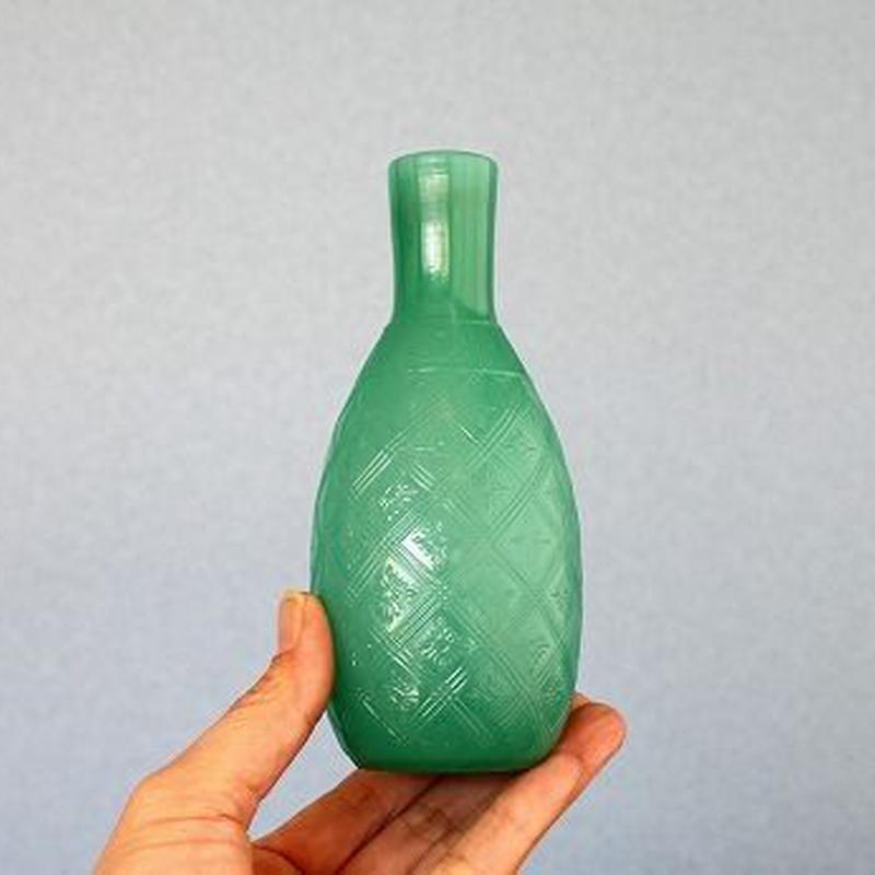 品番 g-0697 徳利 淡緑