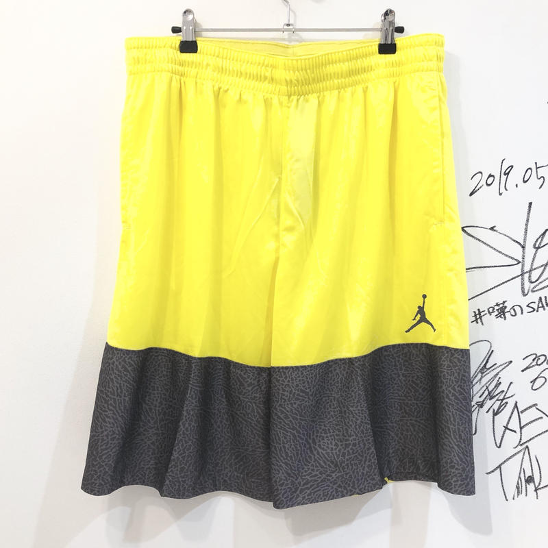 NIKE JORDAN WINGS BLOCKOUT SHORTS  YELLOW