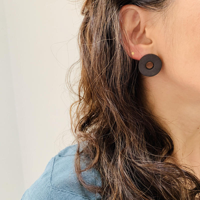 juju made /porcelain disk earrings  /ジュジュメイド/ ポーセリンピアス