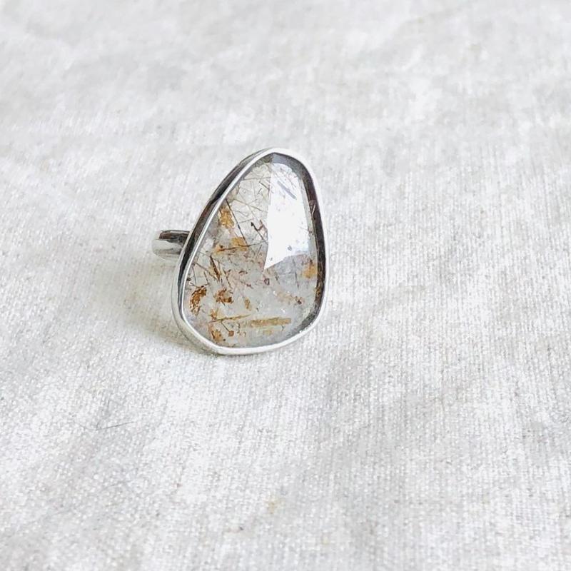 Ishi jewelry / natural stone ring / Rutile quartz / イシジュエリー/針水晶 /シルバーリング