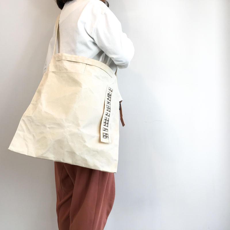 square sholder bag  w/ studs