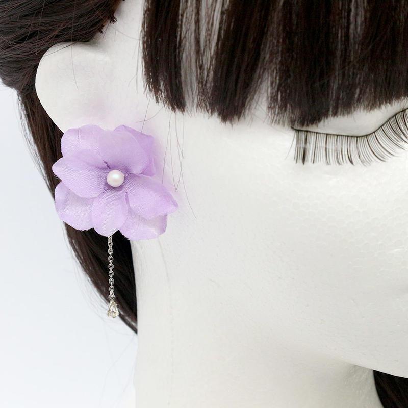 金属アレルギー対応*紫のグラデーションの紫陽花と小粒ビジューのイヤリングy269