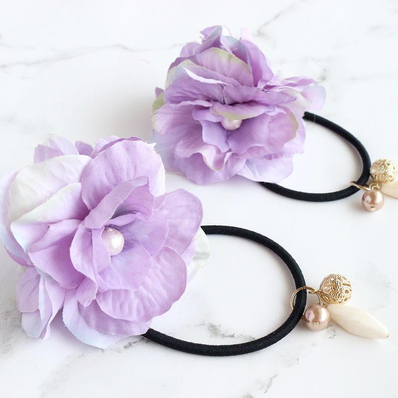 【ゴム交換可能】揺れるビーズが涼しげでかわいい紫のお花のヘアゴムh172