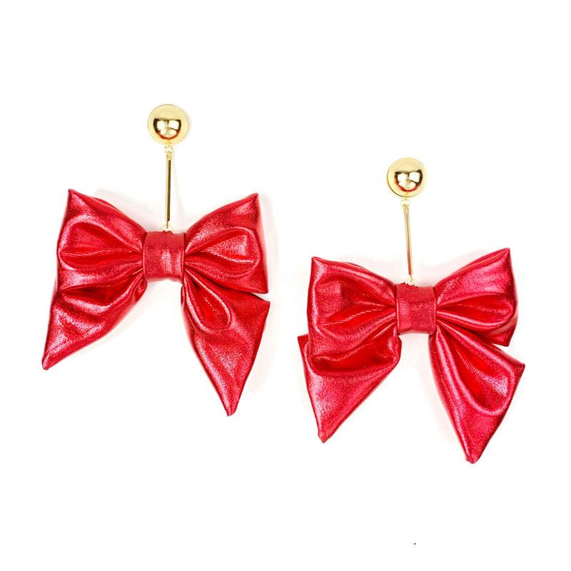 Swinging metallic ribbon earrings/metallic red