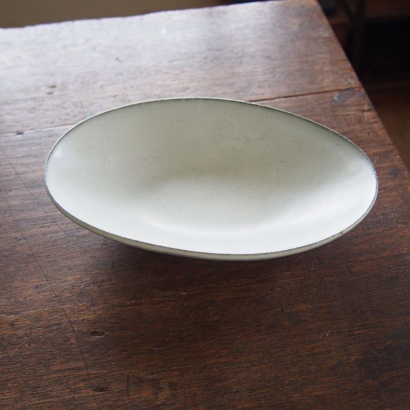 加藤あゐ 粉引楕円皿