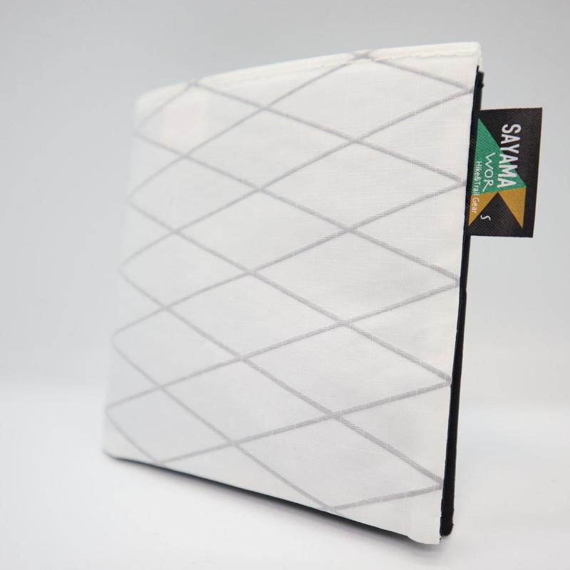 ミニマリストウォレット X-PAC 70Dホワイト&ブラック
