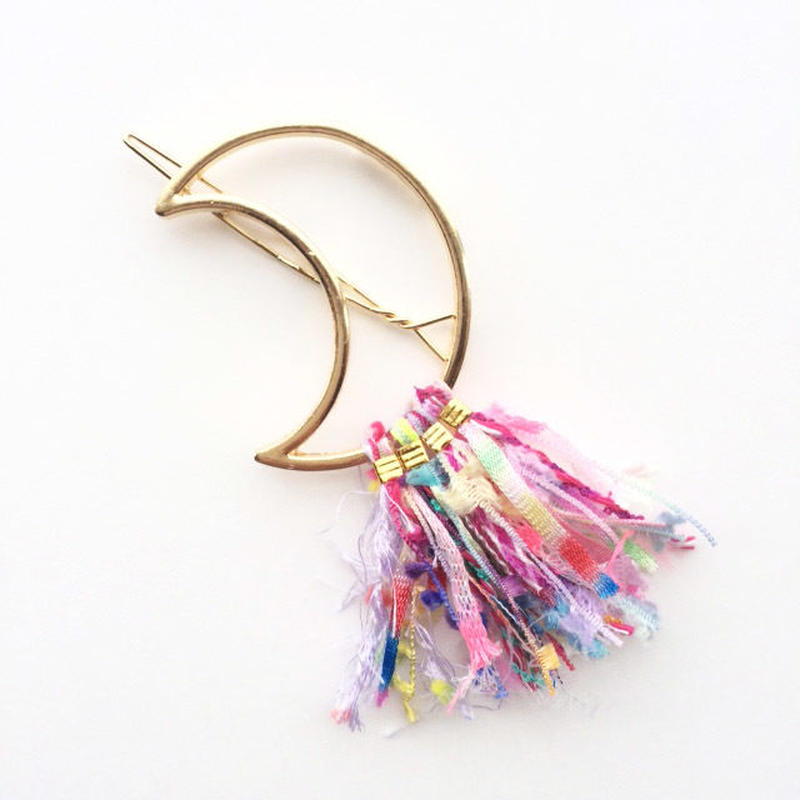 Crescent Fringe Clip / 013111