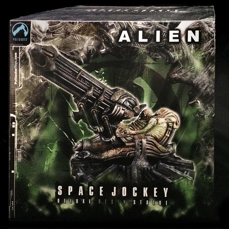 ALIEN SPACE JOCKEY       DELUXE RESIN STATUE