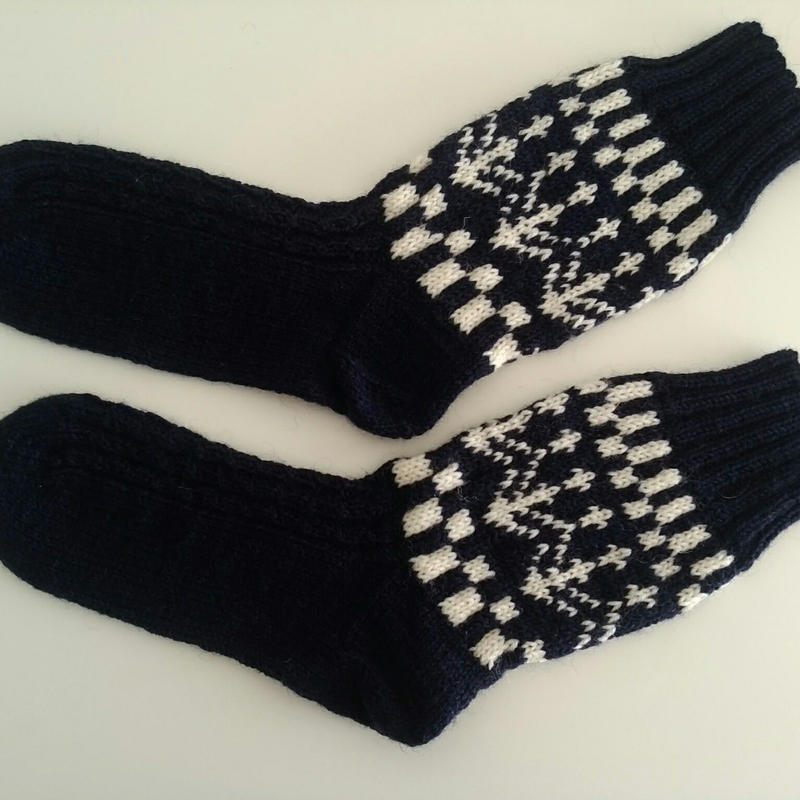 手編みの靴下(マリン)