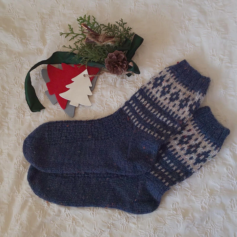 手編みの靴下(ツイードヤーン)ネイビー&ナチュラル