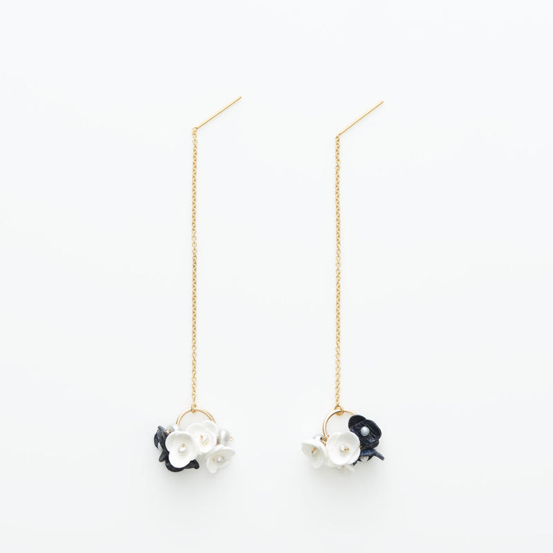 Mari Earrings -navy- ピアス
