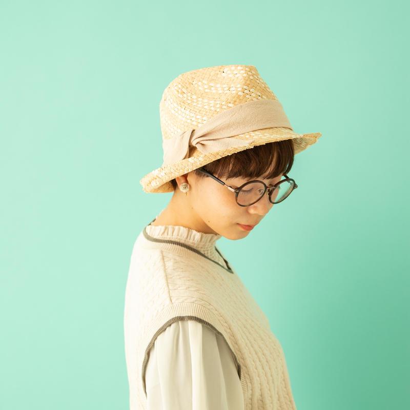 <CST002F> ADINA HAT