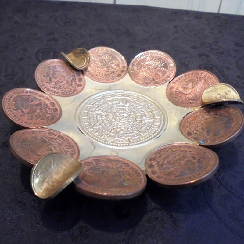 Cenicero de Centavos(アステカカレンダーとセンタボの灰皿)