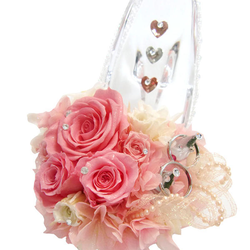 【プリザーブドフラワー/ガラスの靴リングピロー】お花たちと3つのハートが幸せを願う祝福のガラスの靴