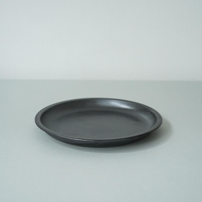 Plate 200 / Black