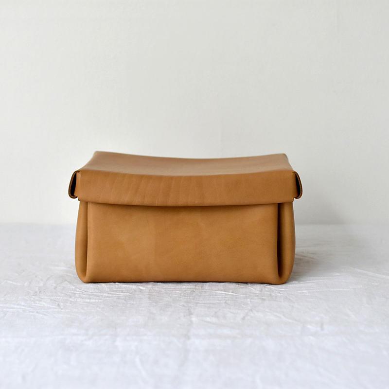 kasse (box)/   camel(L)