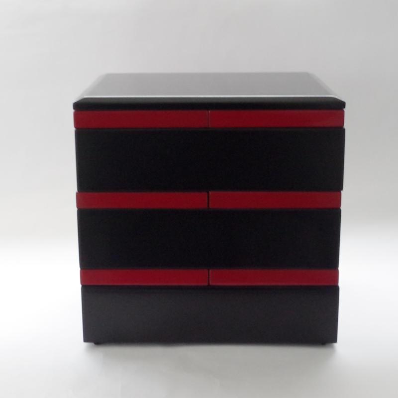 木曽漆器「ちきりや」の黒内朱取り皿付き三段重