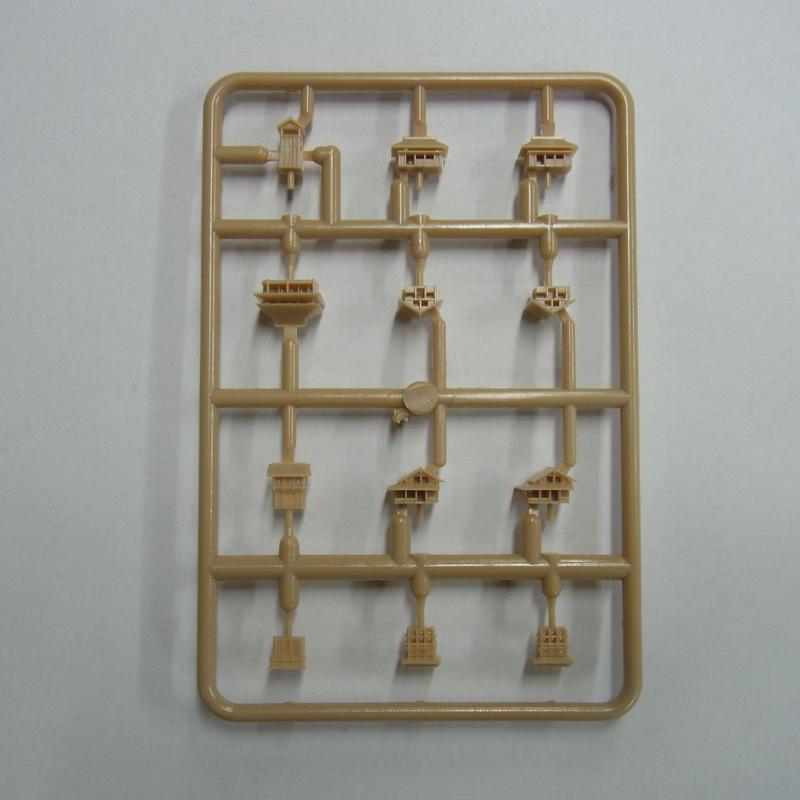 ランナーC[部品番号:C-S03] 内容:二階櫓1×2個 高櫓1×1個 櫓門1×1個 櫓門2×1個 屋敷1×1個 屋敷2×2個 屋敷3×2個 薪小屋1×2個