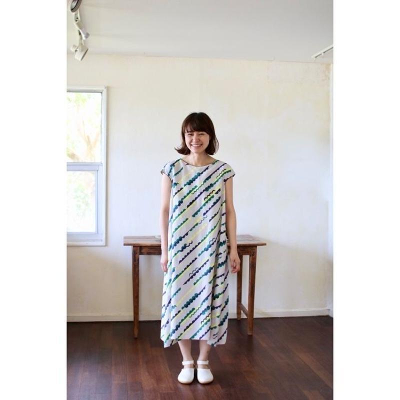 ミナ ペルホネン   lumpy   ドレス – light gray –