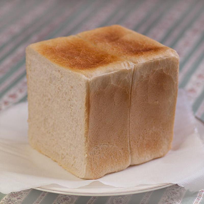 地粉角食パン