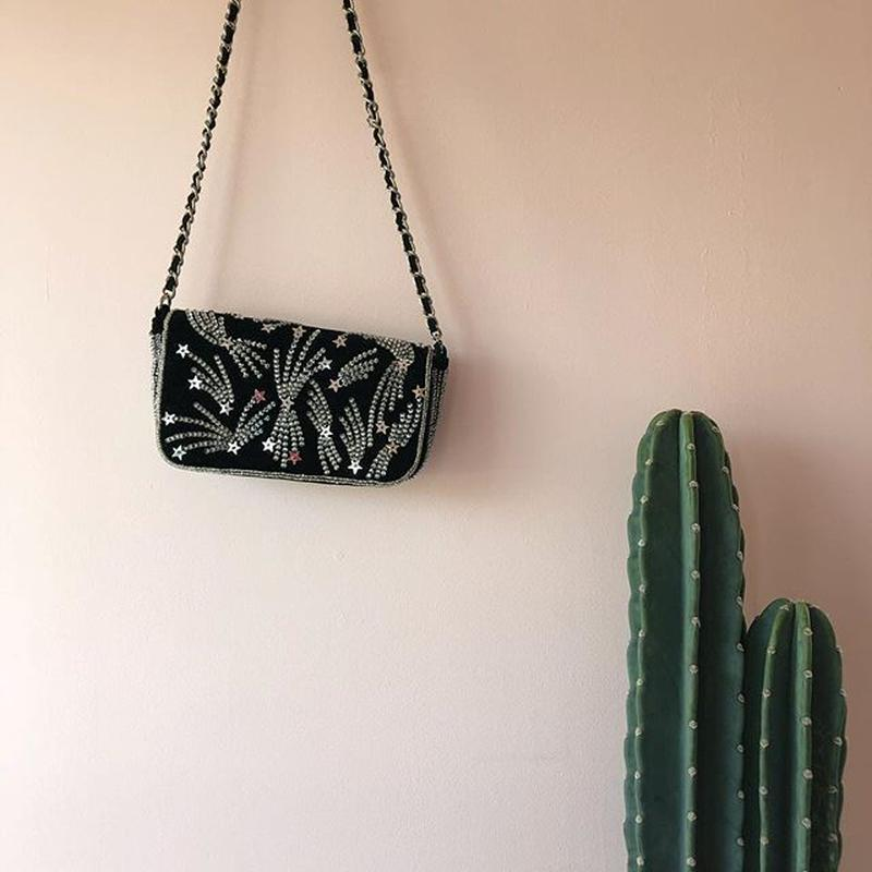 Velvet Shoulder Bag /Sara Mallika