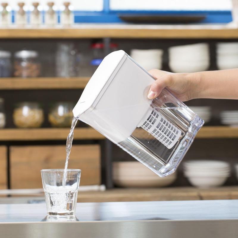 ポット型浄水器 ULeAU/ウルオ(カートリッジ1本付)価格7,800円(税別)