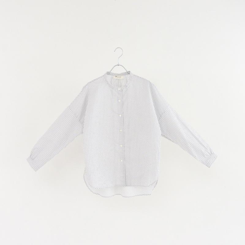 194501 小花柄スタンドカラーシャツ