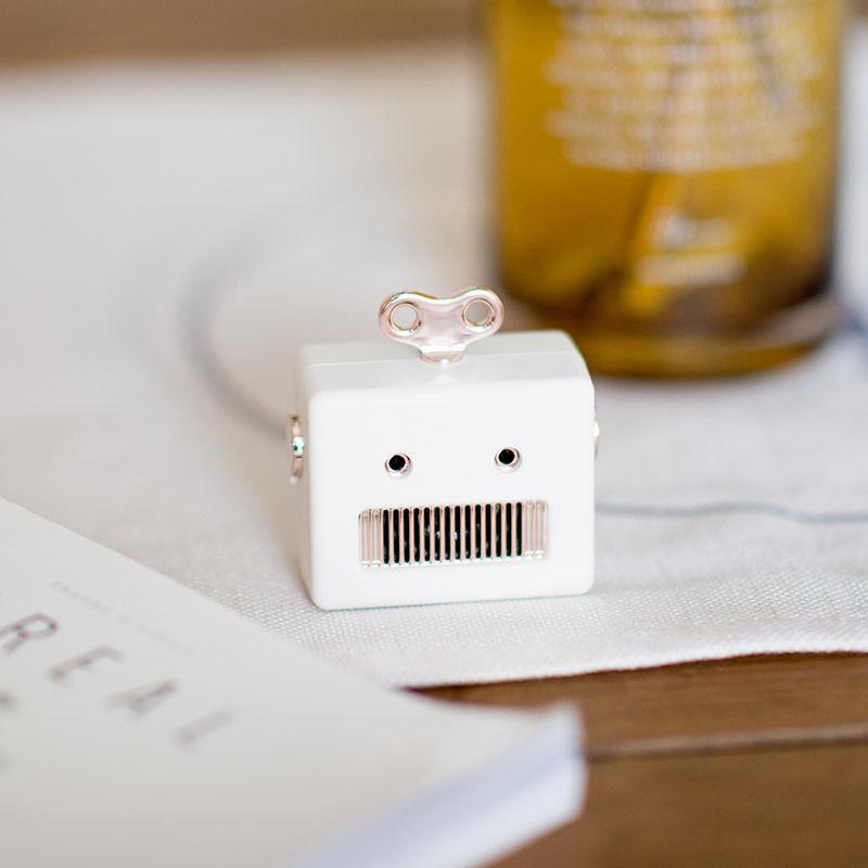 可愛いロボット Bluetooth スピーカー