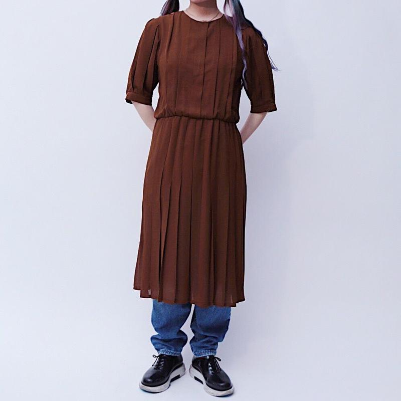 pleats brown dress