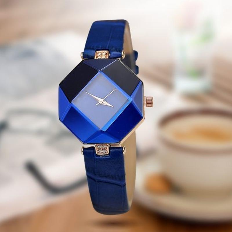 女性時計 宝石カットジオメトリクリスタルレザークォーツ腕時計 ファッションドレス腕時計 レディース