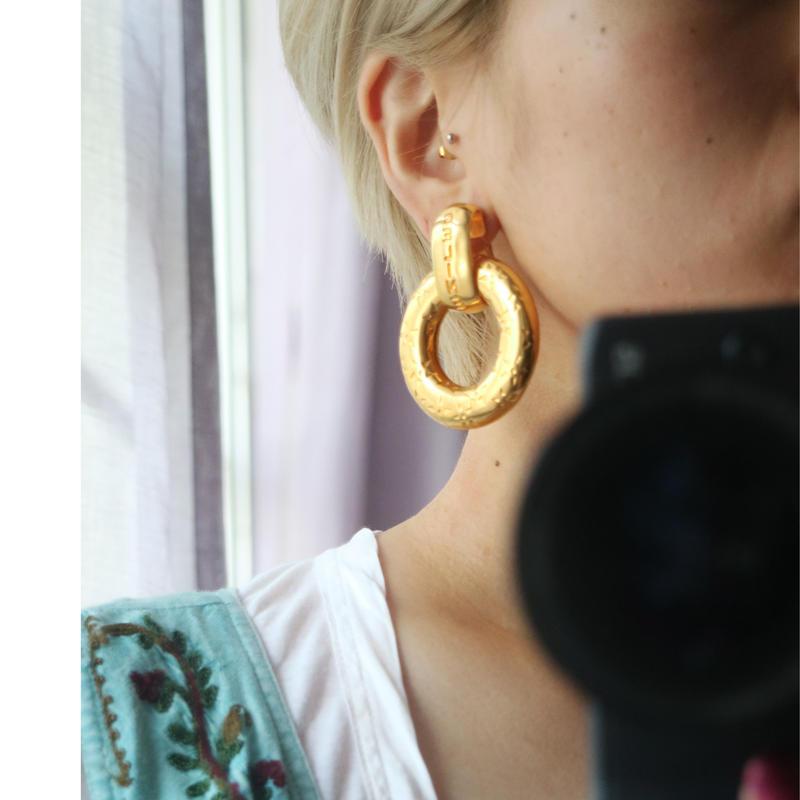 CELINE circle swing earrings