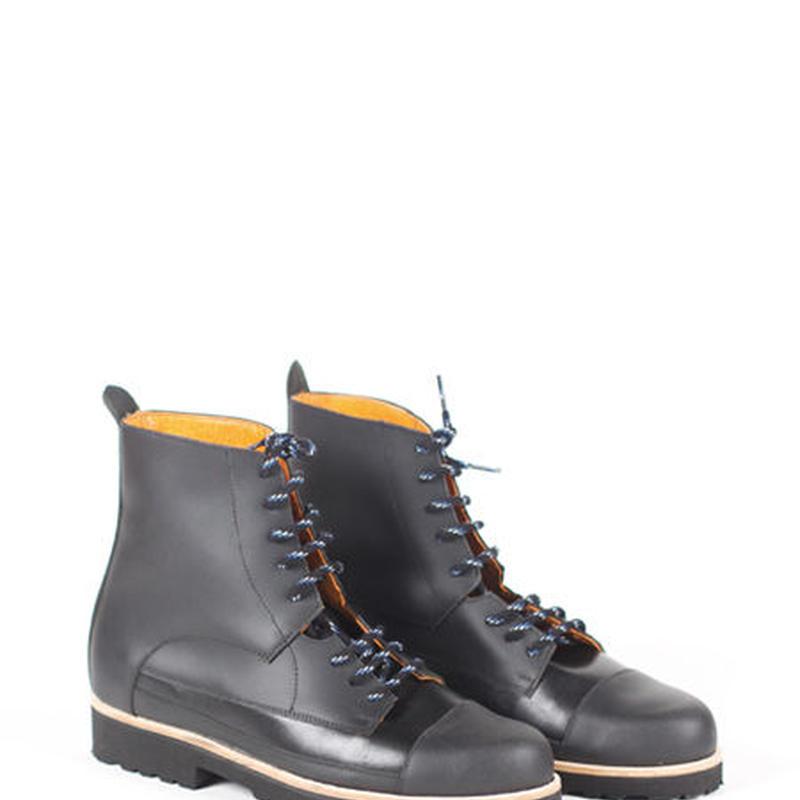 Deux Souliers - Oxford Boot #1 All Black レースアップ・ショートブーツ (ブラック)【スペイン】【靴】【シューズ】【インポート】【VOGUE】