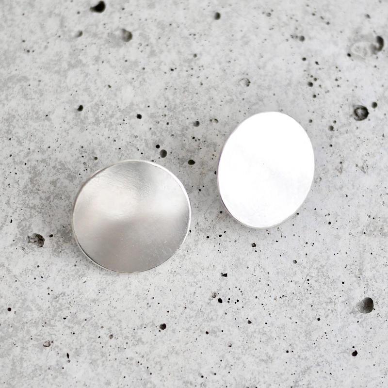 Disc earrings