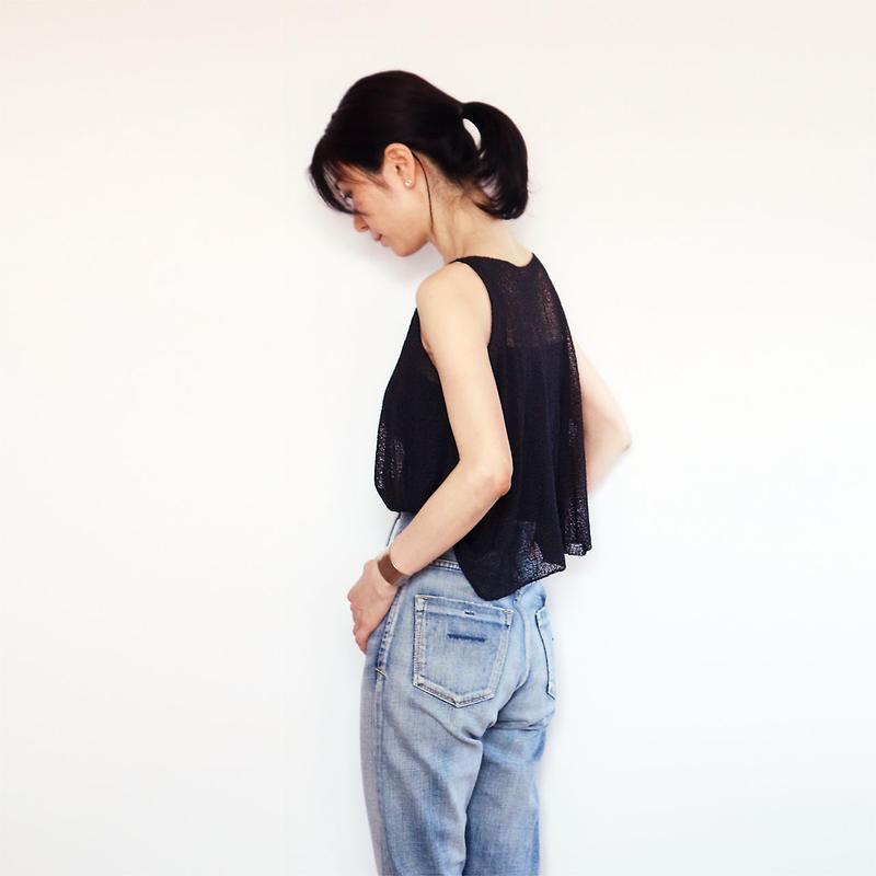 ◆即納◆Scutum[スクトゥム] ベアショルダー・ポンチョ短丈 / ブラック