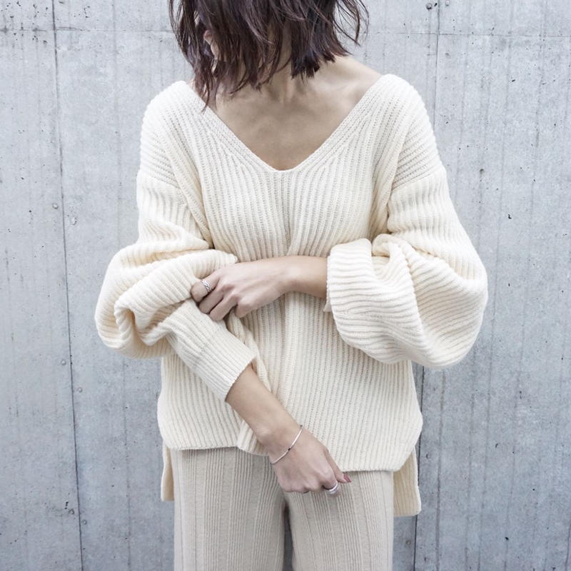 OVER V NECK KNIT