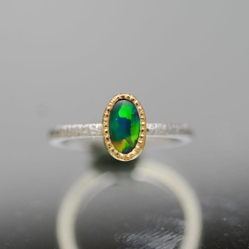 ブラックオパールの指環 Pt900-K18YG