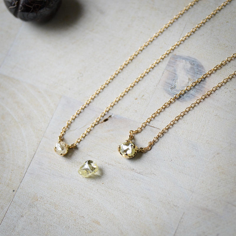 ラフ ダイヤモンド(0.34ct)のプチペンダントネックレス
