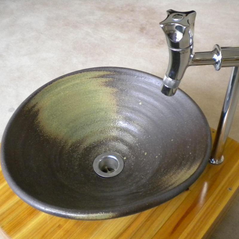 灰釉変形手洗い鉢