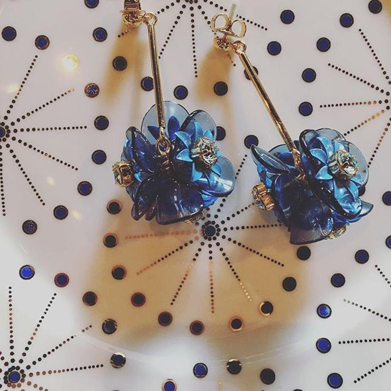 BLUE FLOWER EARRING