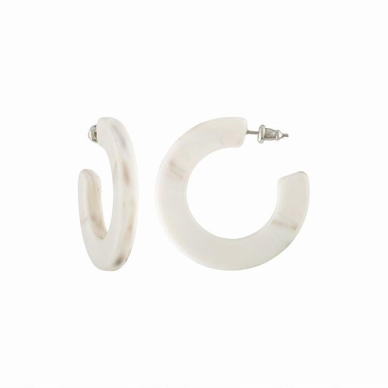 Kate Hoops in Luna