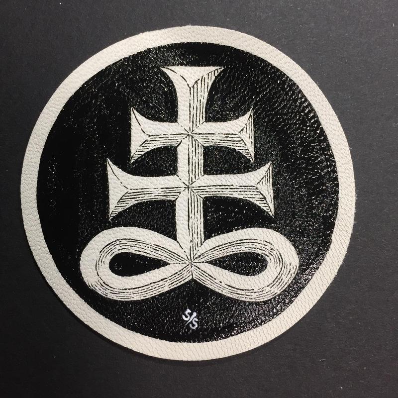 手描き革パッチ  satanic cross